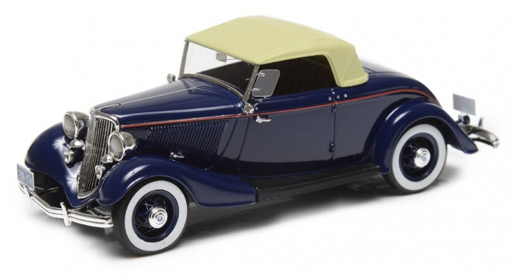 1933 Ford V8 Model 40 roadster, Top Up