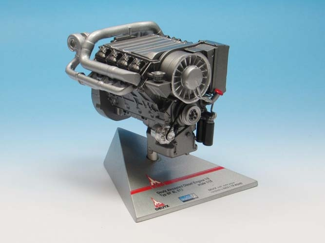 Deutz Aircooled Engine V8  Typ BF 8L 513   scale 1/15
