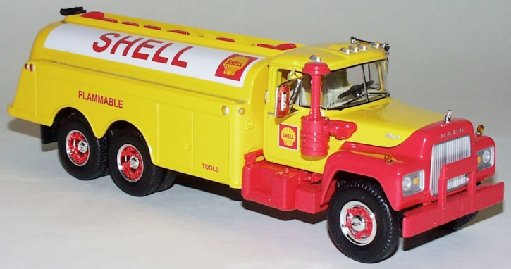"Mack R-600 Fuel Tanker ""Shell"""