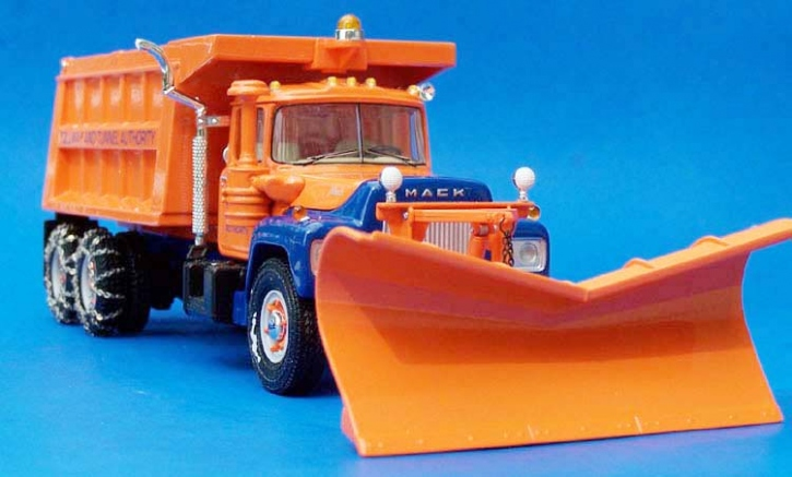 "Mack R-600 Dump Truck with snow plow ""Tollway & Tunnel"""