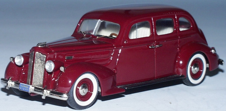 Packard 4-Door Sedan 1937