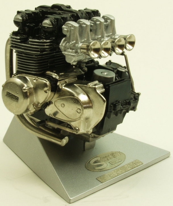 Kawasaki  Engine Z1 (900)  scale 1/8