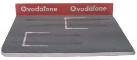 Start mit roter Mauer und Vodafone Werbung