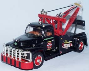 Diamond-T Tow Truck Flying A Service 1955