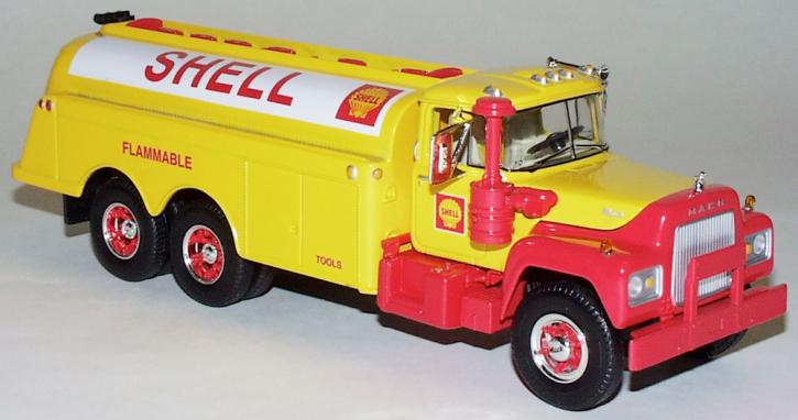 "Mack R-600 Fuel Tanker ""Shell"""