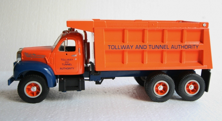 "Mack R-600 Dump Truck with snow plow ""Tollway & Tunnel Authority"""