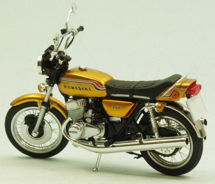 Kawasaki 750 H2 Mach IV 1972 sehr detailiertes Modell mit richtigen Speichenfelgen