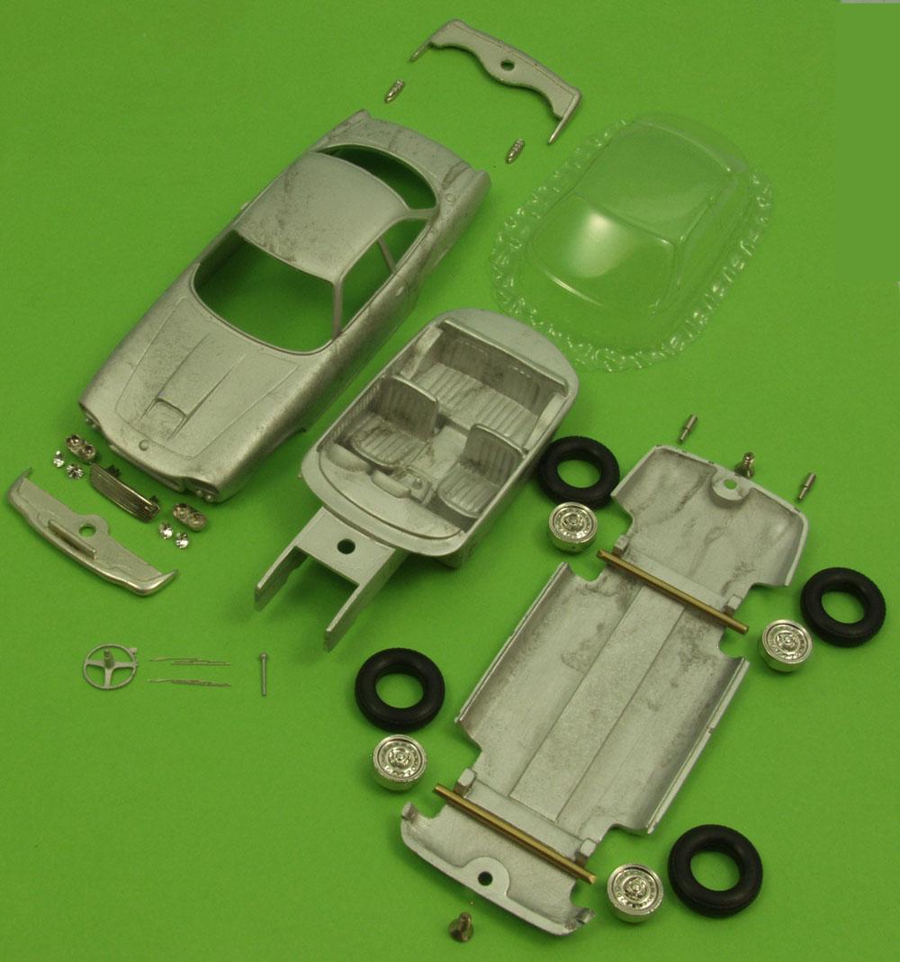 Gordon Keeble Bertone V8 Saloon 1964-1966 1 43 EN001-0